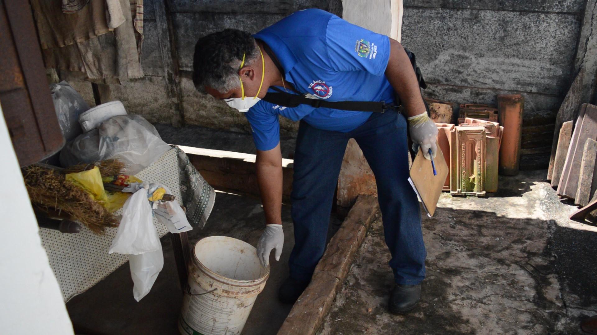 Ação de visitas residenciais dos profissionais da Vigilância Epidemiológica de Urupês - Imagem: Henrique Alonso Camilo