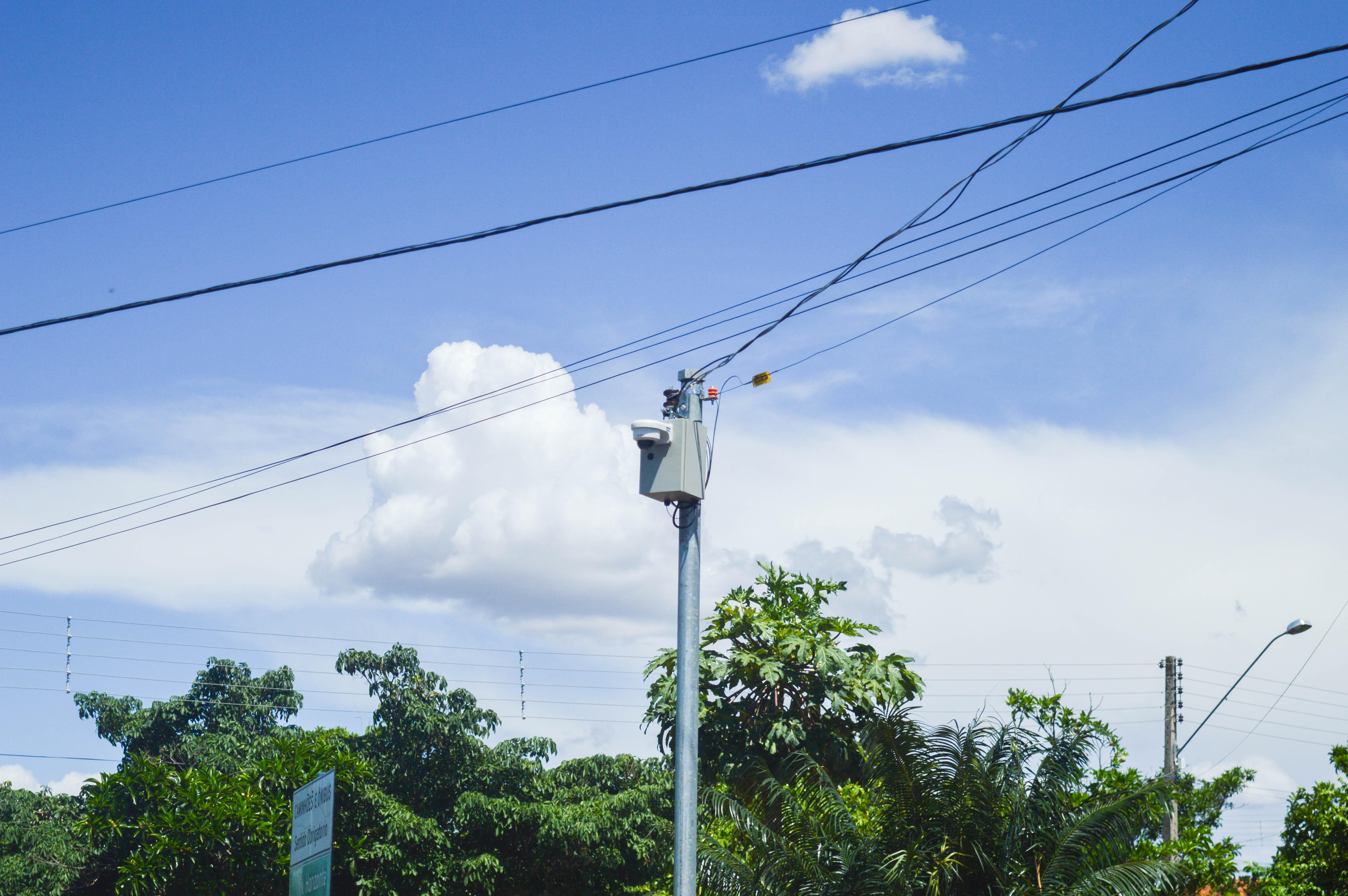 Câmeras estão localizadas em pontos estratégicos da cidade. Foto: Henrique Alonso Camilo / Prefeitura Municipal de Urupês.